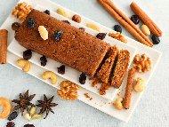 Сладкиш с пълнозърнесто брашно, овесени ядки, моркови и фурми